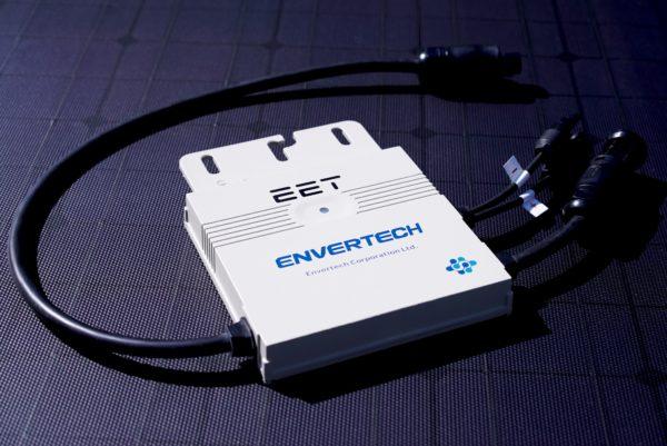 Der Envertech Wechselrichter mit EET Logo der für das Solar-Upgrade LightMate G verwendet wird