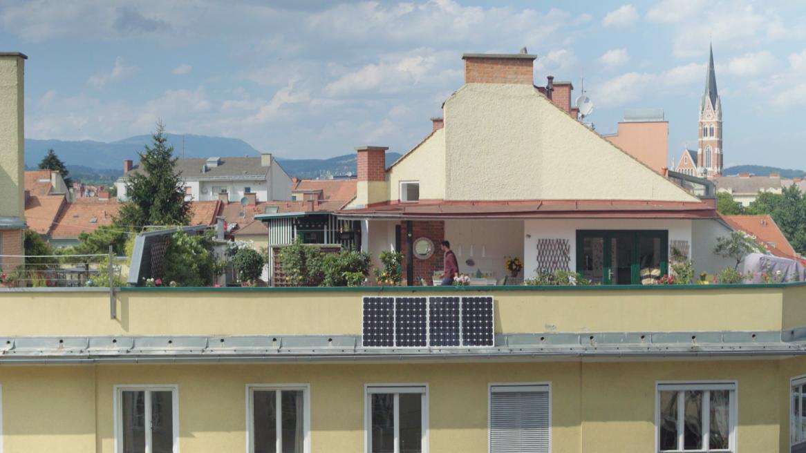 Flexible Photovoltaikpanele zum Aufhängen am Balkongeländer