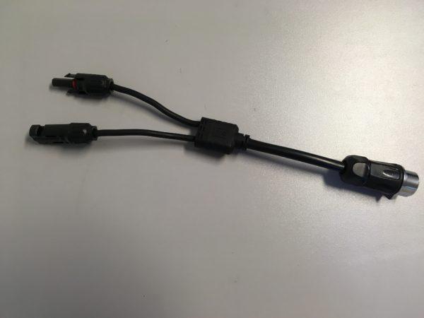 Photo des Adapterkabels von MC4 auf CN-Linko Verbinder