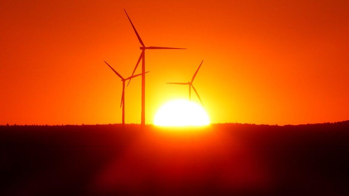 Mit Solaranlagen für den Balkon kann jeder einen Beitrag leisten. Strom aus erneuerbarer Energie!