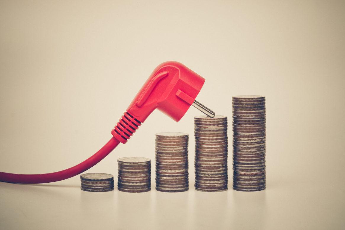 Stromkunden droht die nächste Preiserhöhung - EEG Umlage und auch Strompreise werden wieder teurer. Stromkosten senken mit Balkonkraftwerk von EET!