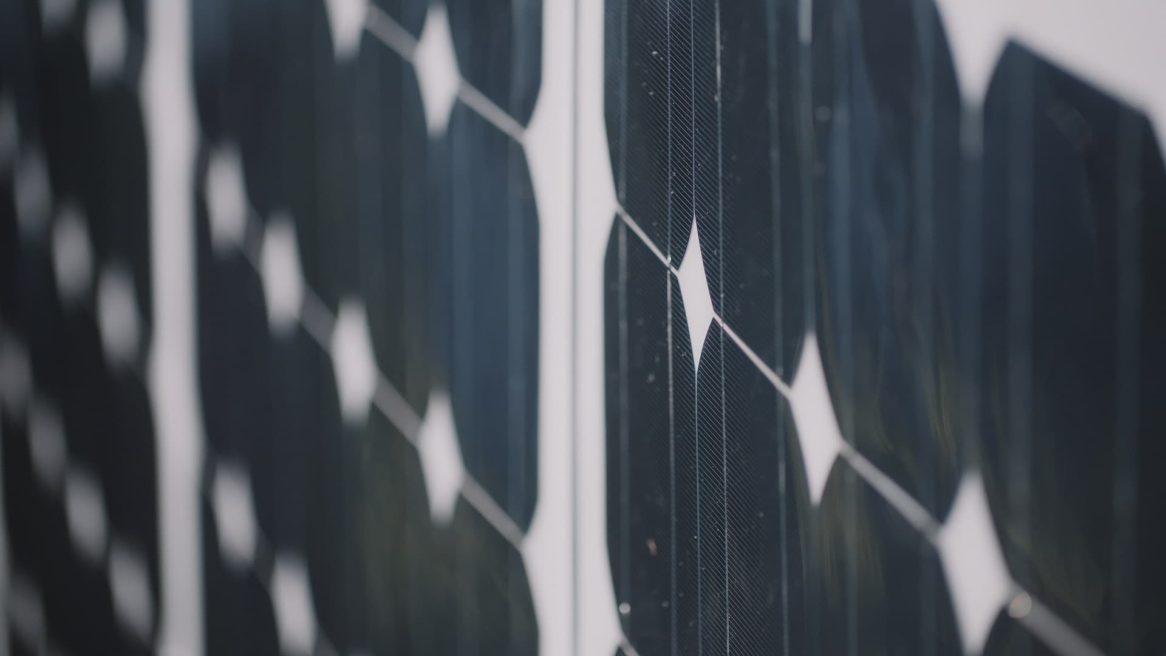 Nahaufnahme von Photovoltaikmodulen