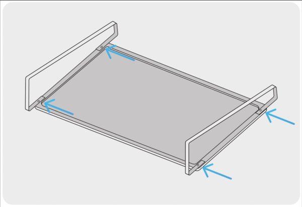 Montage der Stahlbügel am Photovoltaikmodul